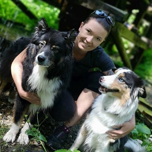 Nicole Mader mit Juna und Frodo